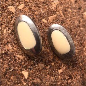 Vintage earrings (white &silver tone